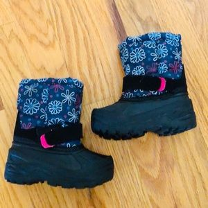 Toddler Girls Snow Boots Quilted Floral Size 5